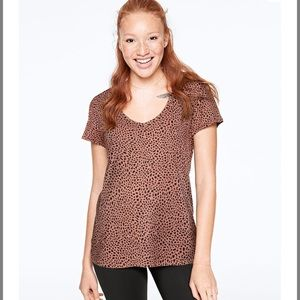 VS PINK  Leopard Print Perfect V-Neck Tee